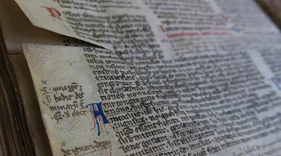 Adotta un manoscritto